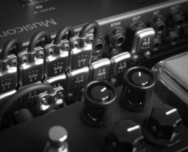 SquarePlug pedalboard connector